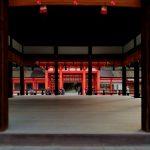 舞殿より楼門をみる 京都・下鴨神社