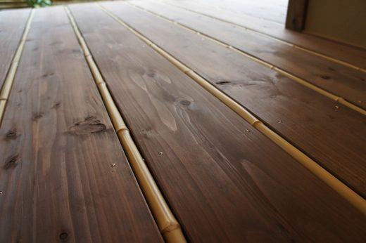 縁側 竹と杉板