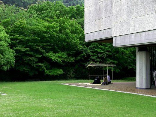 京都東山の借景を眺めながら新緑を楽しむ茶会 2017年5月 泉屋博古館