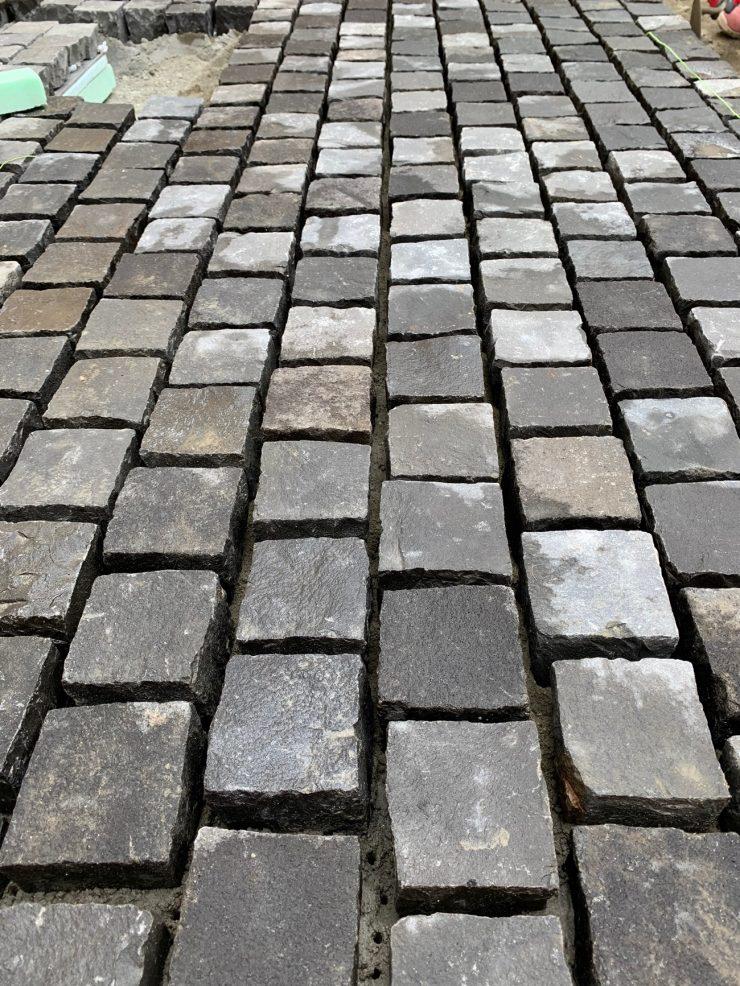 ピンコロ石の床