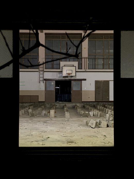 小学校の体育館解体