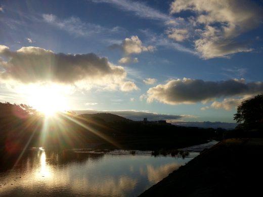 鴨川の朝日
